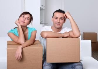 Арендовать квартиру и быть свободным или брать ипотеку и тащить ярмо условные 20 лет? Сторонников обоих подходов к поиску крыши над своей головой хватает. Давайте разберемся, кто из них прав.