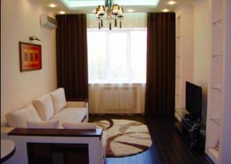Областная столица постоянно растет, с каждым годом строится более миллиона квадратных метров жилья в год. И довольно существенная часть из них отдается собственниками под аренду. Таким образом, у желающих сегодня существует широкий выбор квартир, которые можно арендовать в Тюмени.
