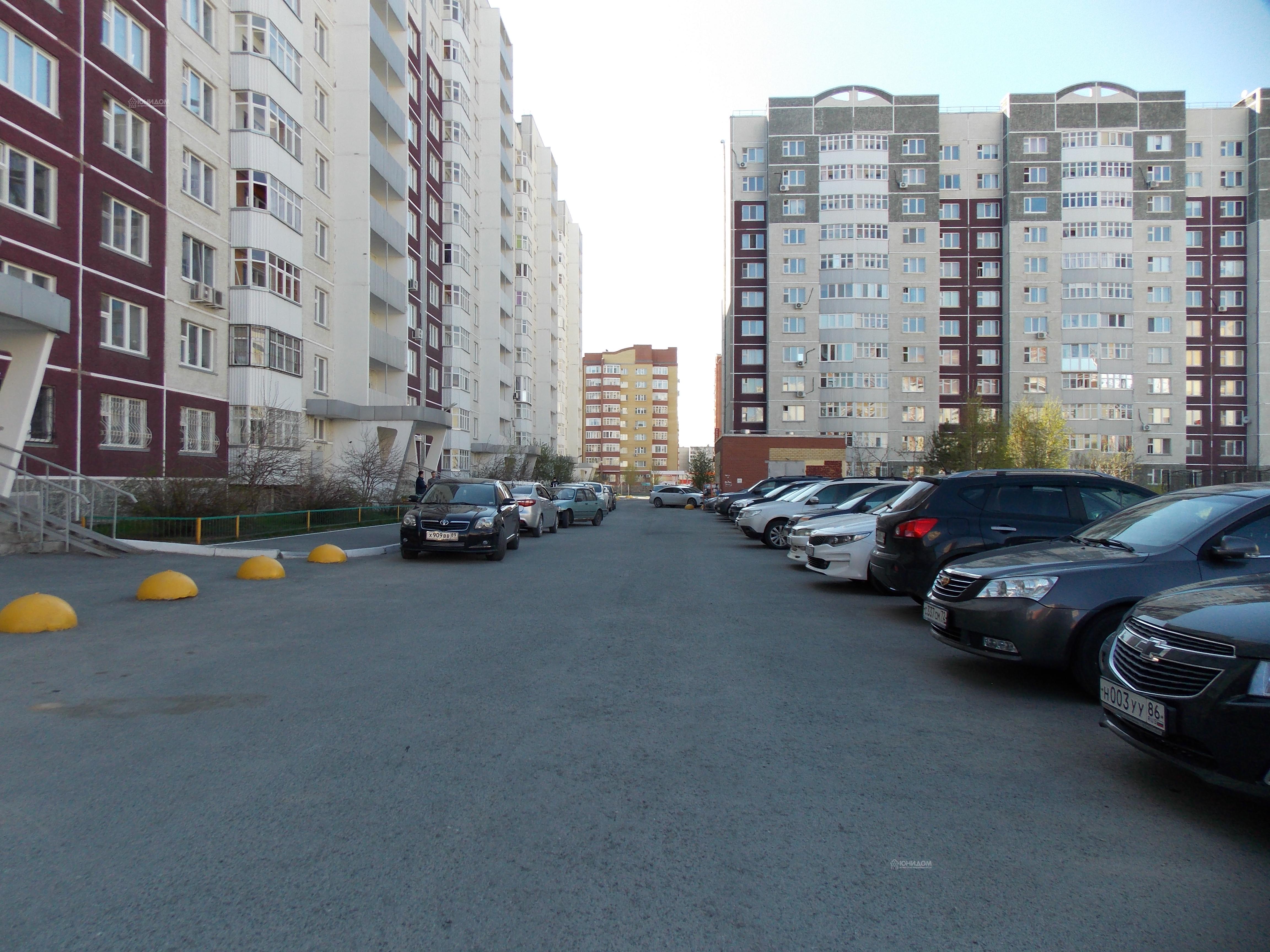 Заказать проститутку в Тюмени ул Ивана Словцова пьяные русские проститутки